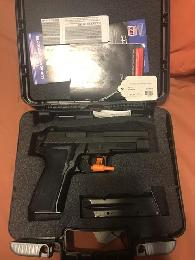 760  Sig Sauer p226 almost new