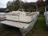 4 999  1996 Sylvan 2139 Elite 40 hp Mercury