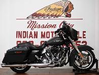 13 895  2011 Harley-Davidson FLHX - Street Glide
