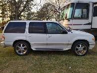 2 300  1998 Ford Explorer Limited Must Go