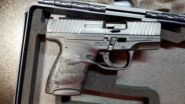 $460, Walther PPS M2, 2 Extra 2 Round Mags, TFX Pro night sights, kydex  holster